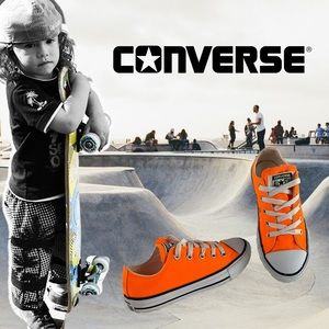 Youth sz 1 neon orange canvas low top converse